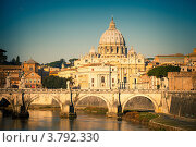 Купить «Вид на Тибр и собор Святого Петра в Риме, Италия», фото № 3792330, снято 23 февраля 2018 г. (c) Sergey Borisov / Фотобанк Лори