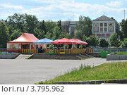 Купить «Летнее кафе на Центральной площади Электростали. Московская область», эксклюзивное фото № 3795962, снято 1 июля 2012 г. (c) lana1501 / Фотобанк Лори