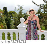 Купить «Красивая женщина летом в Ялте, Крым», фото № 3798782, снято 8 августа 2012 г. (c) Несинов Олег / Фотобанк Лори