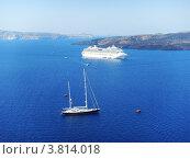 Синее море, белый пароход. Стоковое фото, фотограф Павел Фесенко / Фотобанк Лори