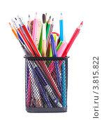 Купить «Офисный стакан с цветными карандашами и авторучками», фото № 3815822, снято 11 июля 2012 г. (c) Оксана Ковач / Фотобанк Лори