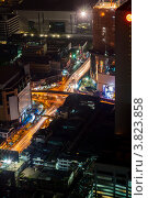 Купить «Ночные огни и следы автомобилей на пересечении улиц Thanon Ratchaprarop и  Thanon Phetchaburi большого города Бангкок. Таиланд.», фото № 3823858, снято 25 декабря 2010 г. (c) Эдуард Паравян / Фотобанк Лори