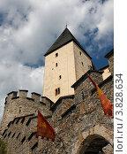 Стена и башня древней крепости Mauterndorf возле Зальцбурга, Австрия. Стоковое фото, фотограф Shlomo Polonsky / Фотобанк Лори
