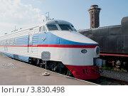 Купить «Головной вагон скоростного поезда ЭР-200», фото № 3830498, снято 12 сентября 2012 г. (c) Виктор Карасев / Фотобанк Лори
