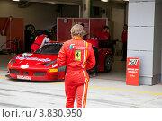 Купить «Подготовка спортивного автомобиля Ferrari 458 команды AF Corse к Чемпионату EЕвропы FIA GT3 , Moscow Raceway в Подмосковье», фото № 3830950, снято 1 сентября 2012 г. (c) Николай Винокуров / Фотобанк Лори