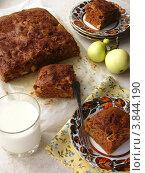 Пряный яблочный пирог. Стоковое фото, фотограф Тищенко Валентина / Фотобанк Лори