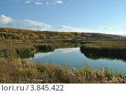 Осенний пейзаж с рекой. Стоковое фото, фотограф Павел Танцура / Фотобанк Лори