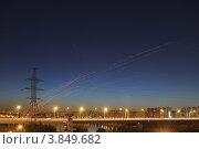 Траектория летящих фонариков на фоне ночного неба (2012 год). Стоковое фото, фотограф Юрий Морозов / Фотобанк Лори
