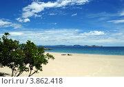 Пустынный тропический пляж (2012 год). Стоковое фото, фотограф Igor5 / Фотобанк Лори