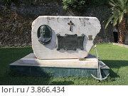 Купить «Памятник Федору Ушакову в Керкире. Греция.», фото № 3866434, снято 5 сентября 2012 г. (c) УНА / Фотобанк Лори