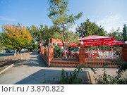 Купить «Летнее кафе, город Ахтубинск», эксклюзивное фото № 3870822, снято 27 сентября 2012 г. (c) katalinks / Фотобанк Лори