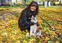 Девушка с щенком собаки породы сибирский хаски (siberian husky) в осеннем парке, фото № 3872258, снято 22 сентября 2012 г. (c) ElenArt / Фотобанк Лори