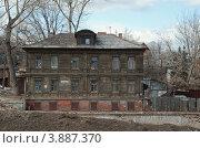 Старый жилой дом в Нижнем Новгороде (Россия) (2011 год). Стоковое фото, фотограф Василий Фирсов / Фотобанк Лори