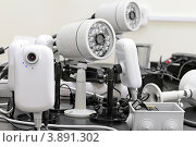 Купить «Камеры видеонаблюдения», фото № 3891302, снято 20 июля 2012 г. (c) Юрий Плющев / Фотобанк Лори