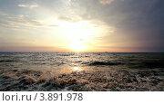 Купить «Морской солнечный закат», видеоролик № 3891978, снято 16 июля 2012 г. (c) Сергей Черных / Фотобанк Лори