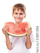 Мальчик ест арбуз. Стоковое фото, фотограф Сергей Фигурный / Фотобанк Лори