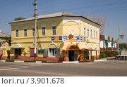 Магазин на перекрестке, Новый Оскол (2012 год). Редакционное фото, фотограф Вячеслав Потапов / Фотобанк Лори