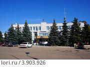 Купить «Приволжск, Ивановская область, здание администрации», фото № 3903926, снято 21 сентября 2012 г. (c) ElenArt / Фотобанк Лори