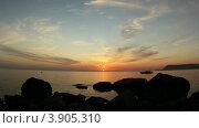 Купить «Закат на Черном море. Крым, Украина (таймлапс)», видеоролик № 3905310, снято 5 октября 2012 г. (c) Артем Поваров / Фотобанк Лори