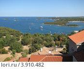 Купить «Вид на Адриатическое море. Город Версар. Хорватия. Европа», эксклюзивное фото № 3910482, снято 21 июля 2018 г. (c) lana1501 / Фотобанк Лори