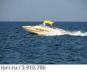 Купить «Катер плывет по Адриатическому морю. Хорватия, Европа», эксклюзивное фото № 3910786, снято 23 октября 2018 г. (c) lana1501 / Фотобанк Лори