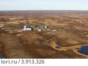 Вид нефтяной вышки с вертолёта. Стоковое фото, фотограф Юрий Дворников / Фотобанк Лори