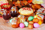 Пасхальный натюрморт: яйца, куличи и вино, фото № 3927306, снято 15 апреля 2012 г. (c) Яков Филимонов / Фотобанк Лори