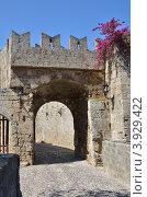 Арка в старом городе Родос, Греция (2012 год). Стоковое фото, фотограф Александра / Фотобанк Лори
