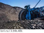 Купить «Ротор экскаватора и уголь», фото № 3946486, снято 11 июня 2012 г. (c) Юлия Врублевская / Фотобанк Лори