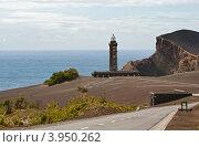 Старый маяк Капеллинос на берегу острова Файал. Стоковое фото, фотограф Юлия Бабкина / Фотобанк Лори