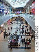 День открытия торгового центра «Моремолл», фото № 3966830, снято 27 октября 2012 г. (c) Анна Мартынова / Фотобанк Лори