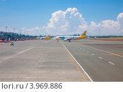 Купить «Филиппины. Самолеты авиакомпании Cebu pacific air в аэропорту города Манила (Ninoy Aquino)», фото № 3969886, снято 1 мая 2012 г. (c) Сергей Дубров / Фотобанк Лори