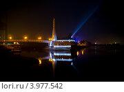 Мост поцелуев в г. Краснодаре (2012 год). Редакционное фото, фотограф Марина К. / Фотобанк Лори
