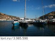 Купить «Яхтенный флот в бухте Балаклавы», фото № 3985590, снято 20 октября 2012 г. (c) Робул Дмитрий / Фотобанк Лори