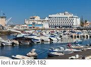 Купить «Порт в городе Фару, Алгарве, Португалия (Algarve; Marina de Faro)», фото № 3999182, снято 1 октября 2012 г. (c) Виктория Катьянова / Фотобанк Лори