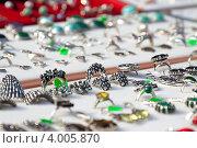 Купить «Витрина ювелирного магазина», фото № 4005870, снято 15 сентября 2012 г. (c) Яков Филимонов / Фотобанк Лори