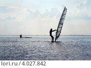 Купить «Силуэт виндсерфера в море», фото № 4027842, снято 5 июля 2011 г. (c) Сергей Сухоруков / Фотобанк Лори