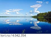 Купить «Прекрасный вид на озеро Вагатозеро. Карелия», фото № 4042354, снято 13 августа 2012 г. (c) Сергей Трофименко / Фотобанк Лори