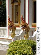 Украшения храма Ват Чалонг (Wat Chalong). Пхукет. Таиланд (2012 год). Стоковое фото, фотограф Сергей Плешаков / Фотобанк Лори
