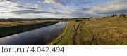Вид на реку Волгу вблизи города Зубцов (2012 год). Стоковое фото, фотограф Наталья Немчинова / Фотобанк Лори