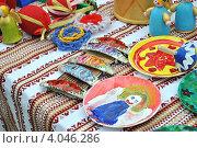Купить «Благотворительная продажа сувениров ручной работы. Парк Царицыно, Москва», эксклюзивное фото № 4046286, снято 13 мая 2012 г. (c) lana1501 / Фотобанк Лори