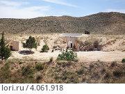 Дома берберов, вырубленные в горах, Matmata, Tunisia (2012 год). Стоковое фото, фотограф Кекяляйнен Андрей / Фотобанк Лори