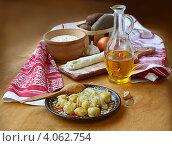 Купить «Традиционное блюдо украинской кухни галушки», фото № 4062754, снято 27 ноября 2012 г. (c) Олеся Сарычева / Фотобанк Лори