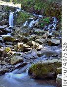 Горный водопад на скалах. Стоковое фото, фотограф Артур Худолий / Фотобанк Лори