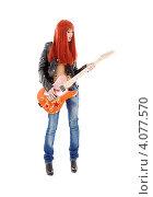 Купить «Рыжая девушка с длинными волосами топлес в джинсах и с гитарой», фото № 4077570, снято 28 марта 2009 г. (c) Syda Productions / Фотобанк Лори