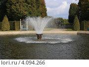 Купить «Ганновер. Фонтан в большом парке Herrenhausen», фото № 4094266, снято 18 октября 2009 г. (c) Борис Кунин / Фотобанк Лори