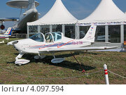 Купить «Международный авиационно-космический салон МАКС-2011. Tecnam P2002 Sierra - легкий двухместный самолет», фото № 4097594, снято 16 августа 2011 г. (c) Игорь Долгов / Фотобанк Лори