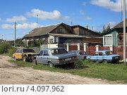 Купить «Автомобильная разборка», эксклюзивное фото № 4097962, снято 1 сентября 2012 г. (c) Игорь Веснинов / Фотобанк Лори