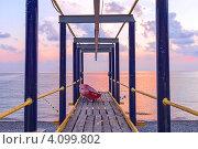 Купить «Летний вечер на пустынном черноморском пляже», фото № 4099802, снято 7 сентября 2012 г. (c) Владимир Сергеев / Фотобанк Лори