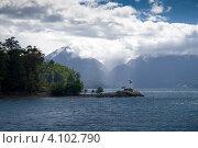 Озеро всех святых (Тодос-лос-Сантос), национальный парк Висенте-Перес-Росалес, Чили (2010 год). Стоковое фото, фотограф Nadejda Trifonova Jeraj / Фотобанк Лори